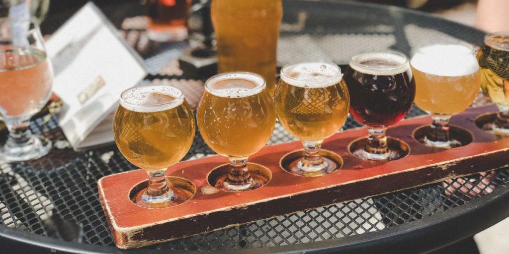 Será que álcool destrói os seus ganho e poderá beber cerveja e ir ao ginásio